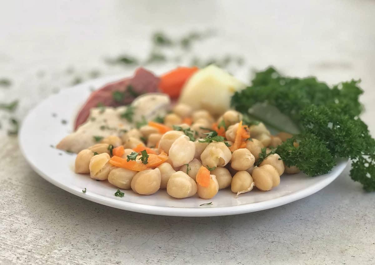 C mo hacer el cocido madrile o de garbanzos receta f cil - Salsa para bogavante cocido ...