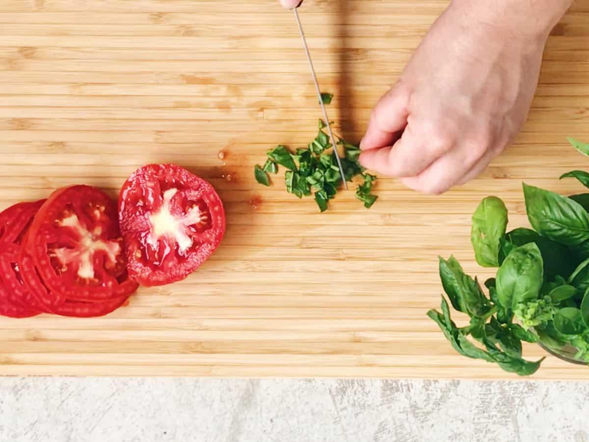 Cómo se prepara una ensalada de tomates