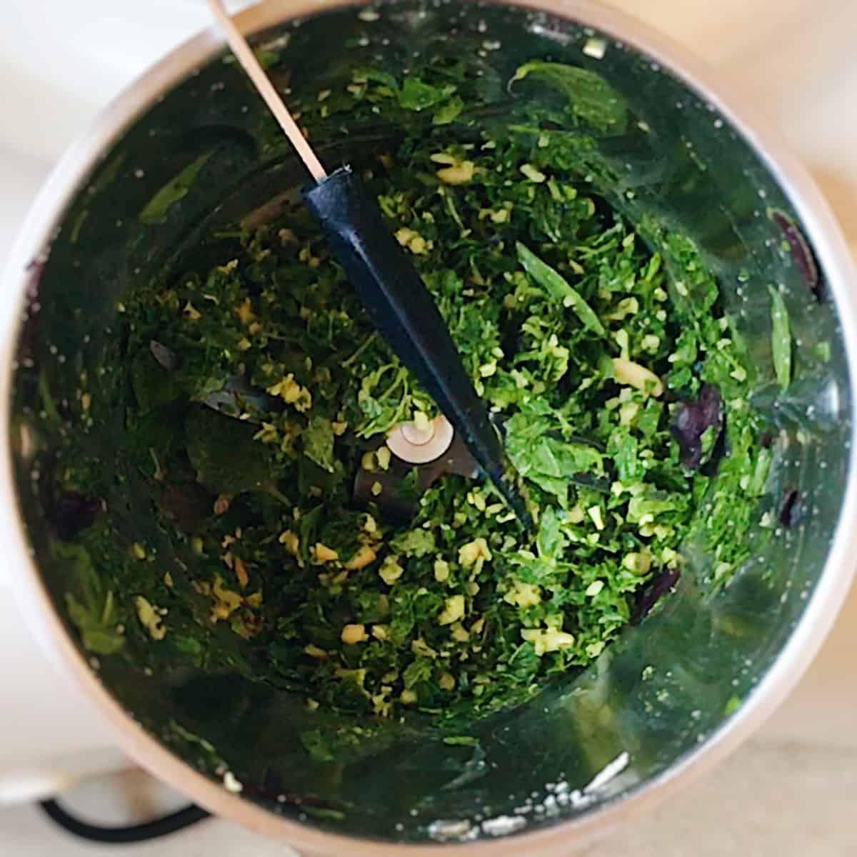 Cómo preparar salsa pesto