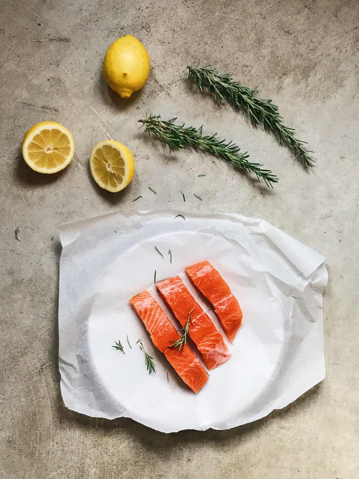 Ingredientes de salmón al horno
