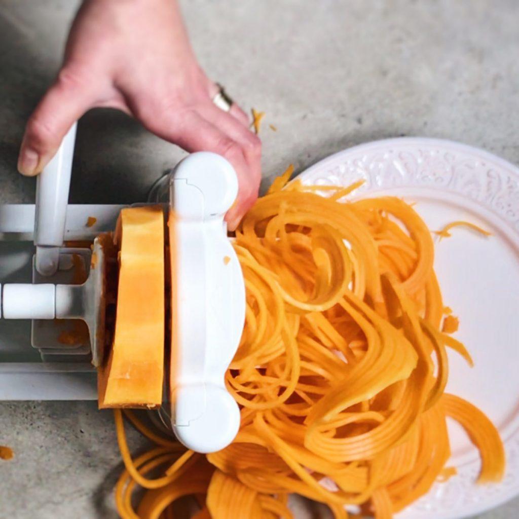 como hacer espaguetis de calabaza