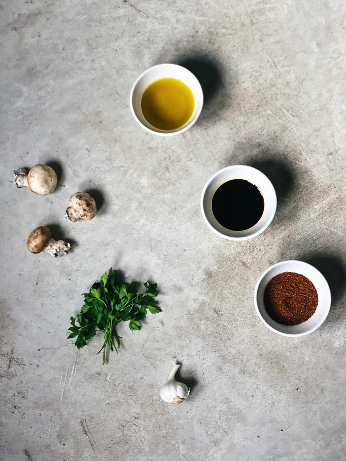 Ingredientes de champiñones caramelizados