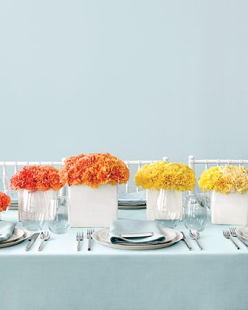 Cómo poner la mesa informal naranja y amarilla