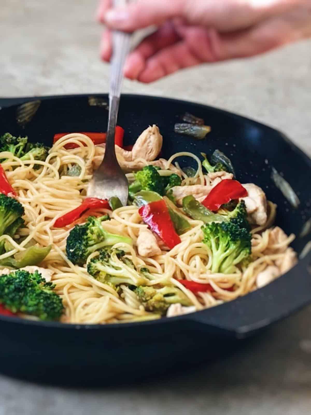 deliciosos espaguetis con pollo