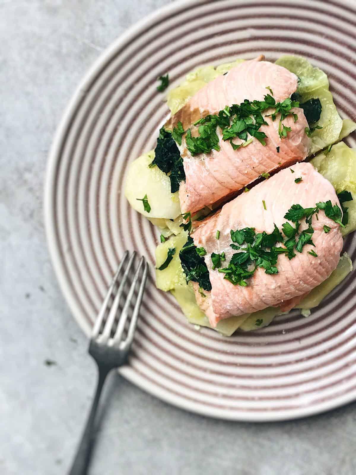 receta sana de salmón y espinacas