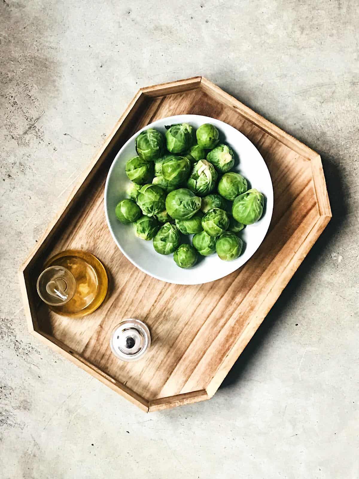 ingredientes de coles de bruselas rehogadas