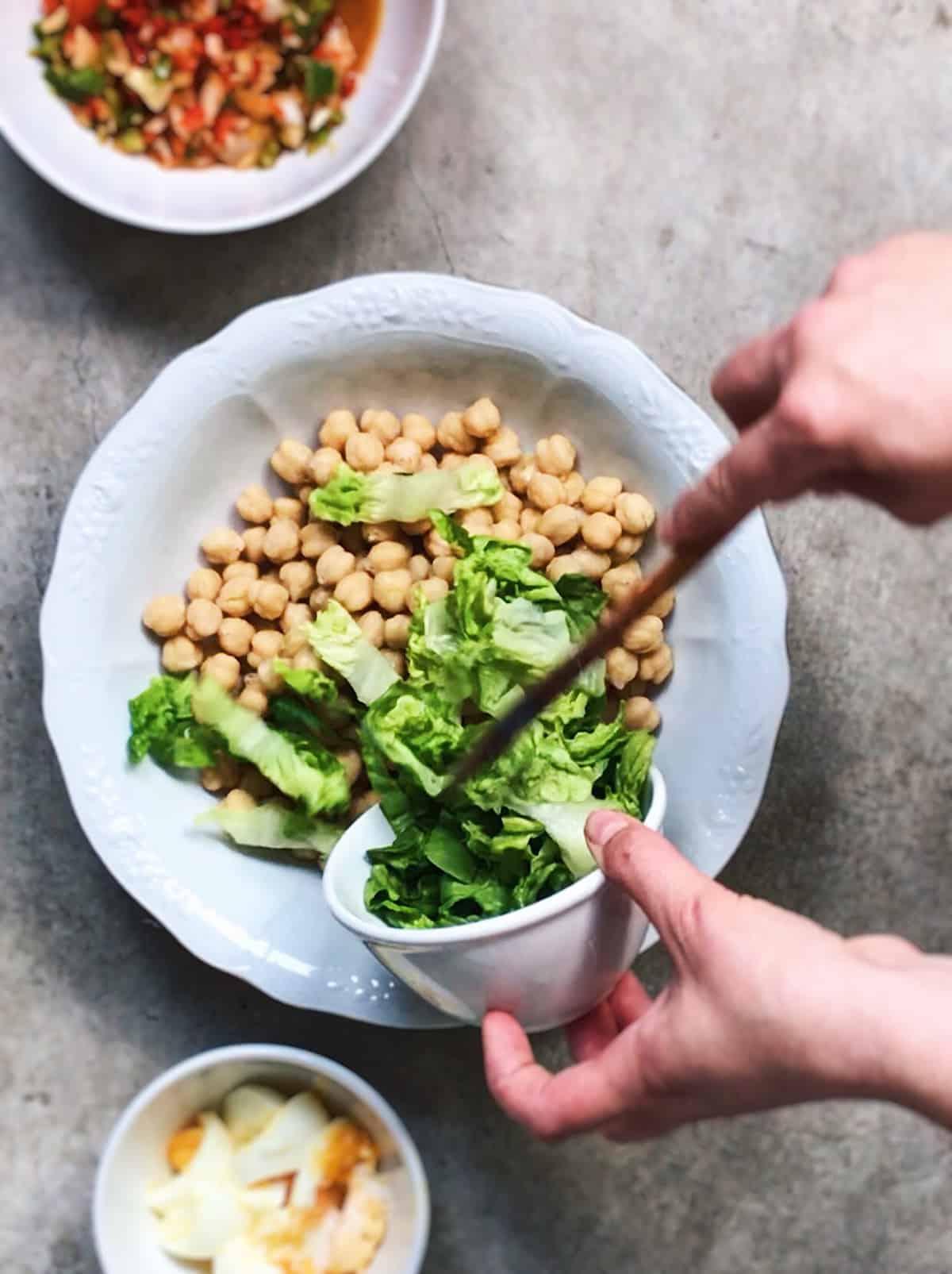 Ensalada de garbanzos receta vegetariana