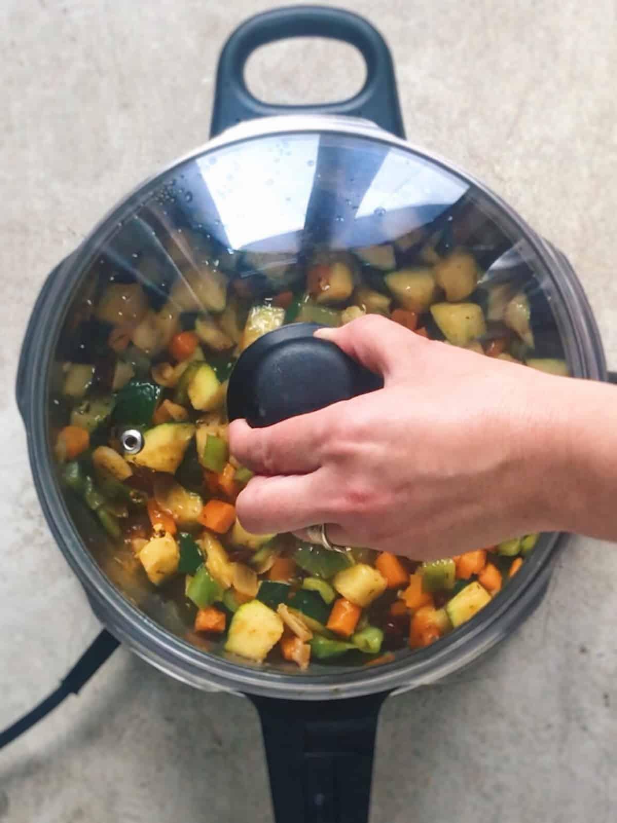 sopa minestrone de verduras thermomix