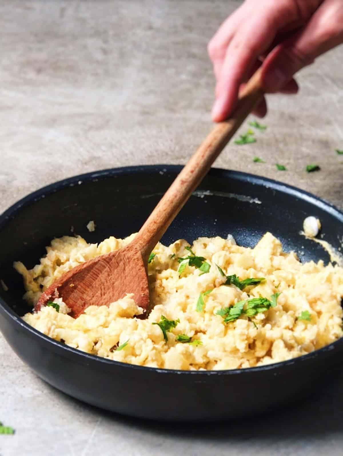Arroz de coliflor con huevo