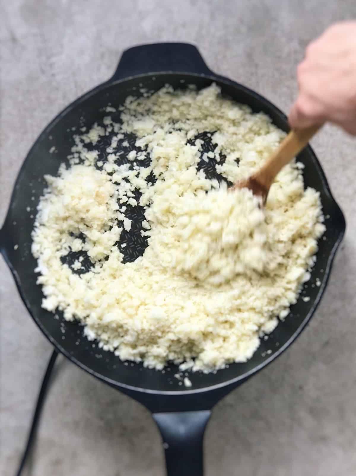 arroz de coliflor frito