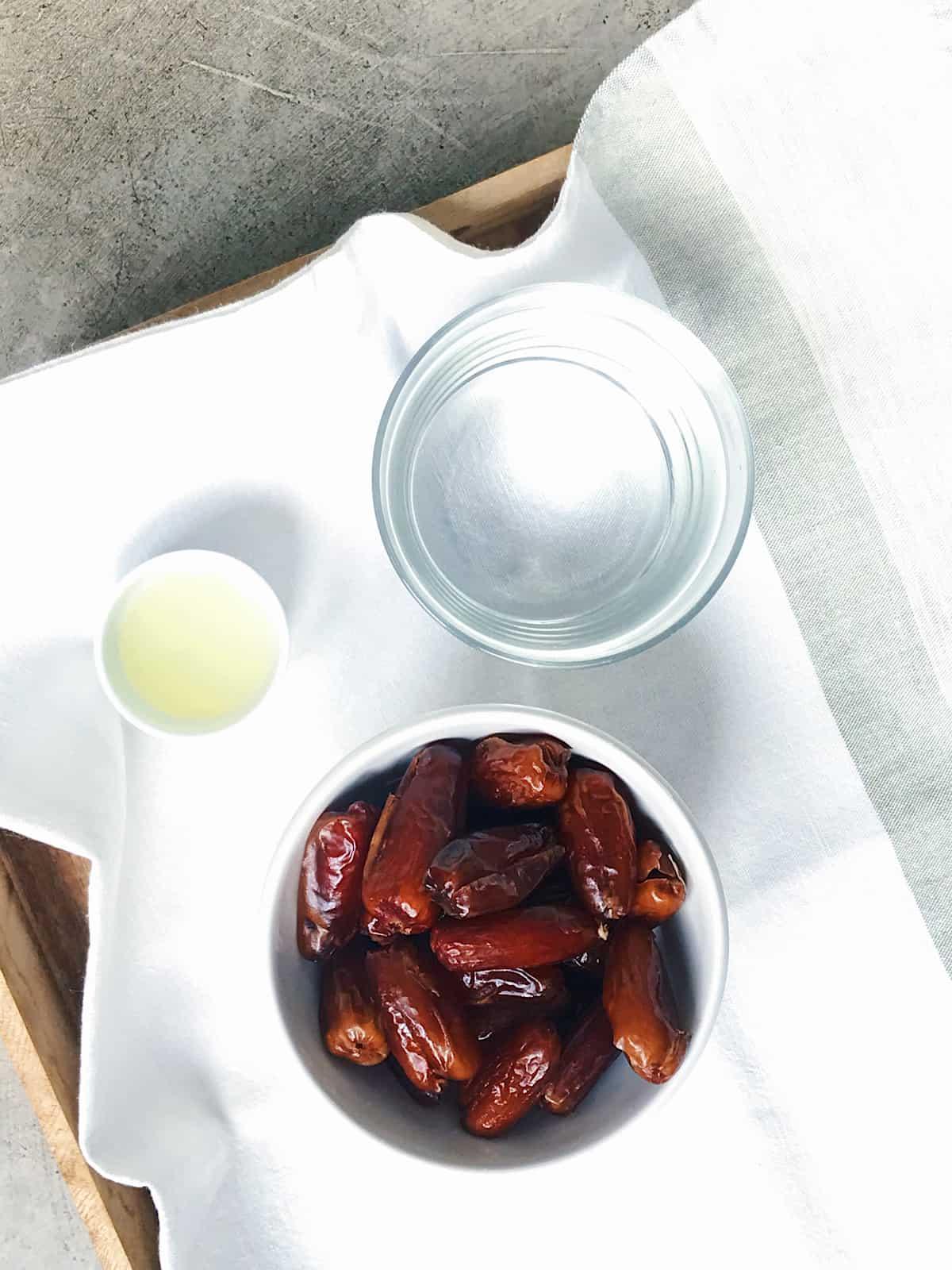 Ingredientes de salsa de datiles