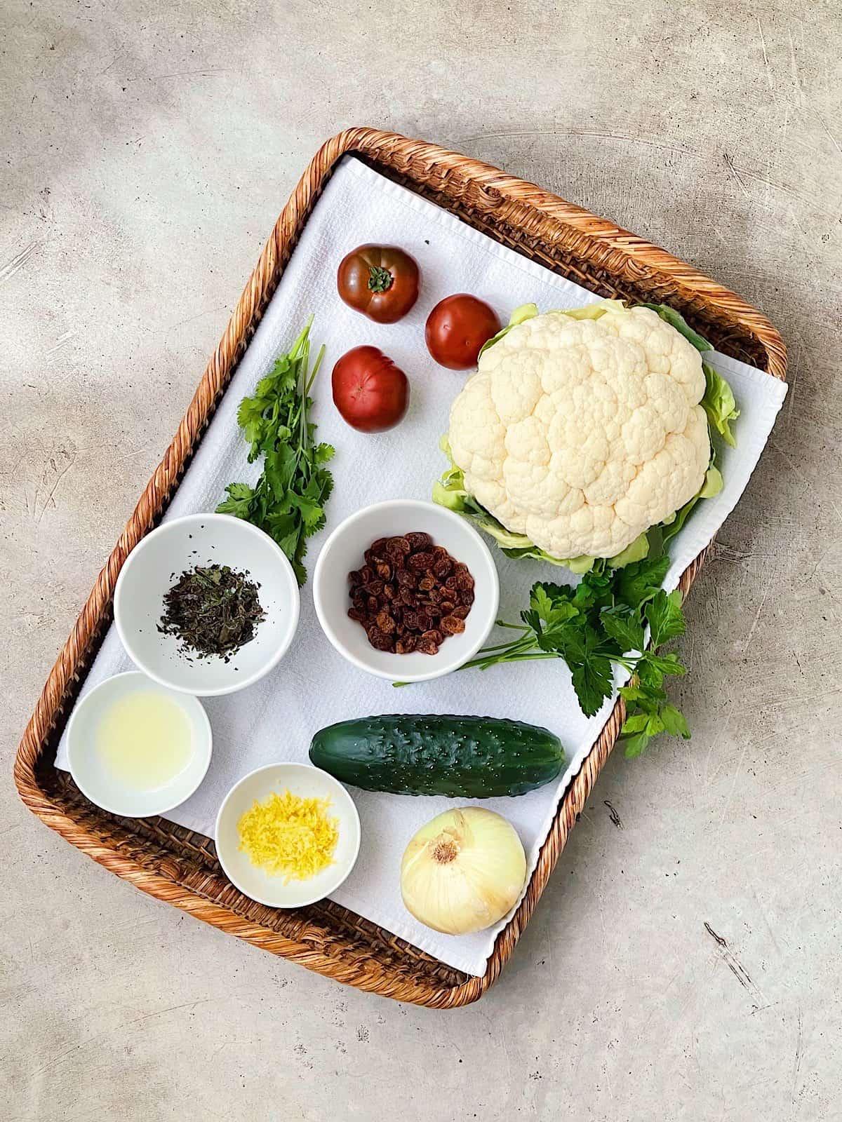 Ingredientes de ensalada de coliflor